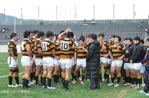 試合終了後、金沢HCのもとに選手が集まった