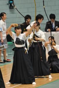 昨年は東西学生弓道選抜対抗試合にも選出された大前・小林