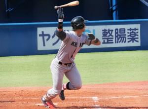 1回裏無死満塁、左中間スタンドへ逆転の満塁本塁打を放つ谷田