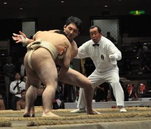 有終の美を飾った飯塚(写真中央)