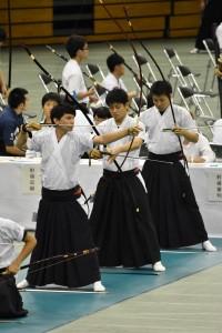 後ろ3人は上級生が務めた(左から佐久間、村田、稲熊)