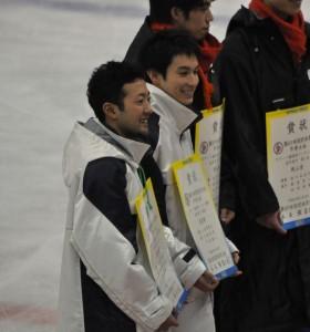東京都代表の中村とともに表彰された近藤