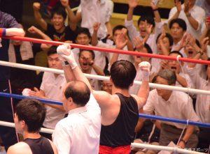 井上の圧巻のボクシングに、会場は大きく沸いた