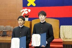 卒業式に出席した山縣と柳田