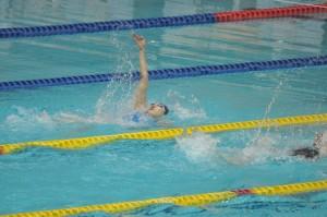 100m背泳ぎで4位に入った鍵矢